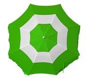 Parasol de playa con las rayas verdes y blancas Fotos de archivo