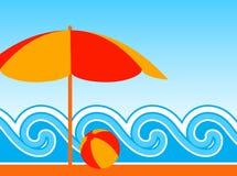 Parasol de playa y ondas Imagen de archivo