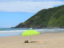 Parasol op het strand Royalty-vrije Stock Foto