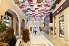Parasole w Dubaj centrum handlowym Zdjęcie Stock