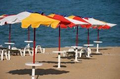 Parasoles de playa Fotografía de archivo libre de regalías