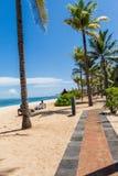 Parasoles de playa en una playa hermosa en Bali Fotografía de archivo