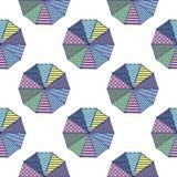 Parasoli da sopra con le progettazioni geometriche nelle combinazioni colori estive illustrazione vettoriale