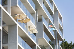 Parasols op het balkon Royalty-vrije Stock Foto's