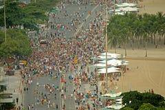 Parata della via di carnevale a Copacabana Immagine Stock