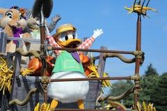 Parata di Disney Halloween con i caratteri di Disney nella parità di Disneyland fotografia stock libera da diritti