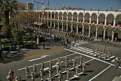 Parata di domenica, Plaza de Armas, Arequipa Fotografie Stock Libere da Diritti