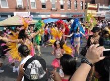 Parata di festival del Latino in supporto piacevole Fotografie Stock Libere da Diritti