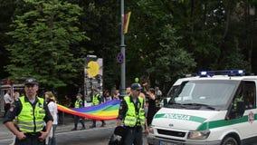 Parata gay della polizia di ordine stock footage