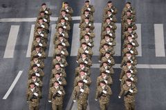 Parata militare che celebra la festa nazionale della Romania immagini stock libere da diritti