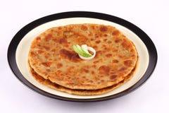 Paratha indiano tradizionale del pane-Aloo Immagini Stock Libere da Diritti