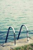 Paraticostad - plaats op de Iseo-bank voor het zonnebaden en het zwemmen royalty-vrije stock afbeelding