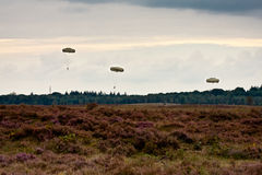 Paratroopers drop during the 72th commemoration of operation Market Garden Royalty Free Stock Photos