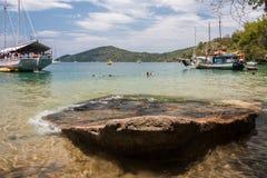 Paraty海湾和小船里约热内卢巴西 免版税库存图片