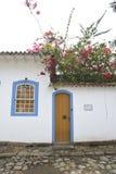 Paraty Brasilien på kusten av Brasilien, har mycket färgrik kolonial arkitektur Fotografering för Bildbyråer
