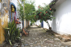 Paraty, el Brasil en la costa del Brasil, tiene arquitectura colonial muy colorida Fotos de archivo