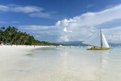 Paraw bianco Filippine della spiaggia dell'isola di Boracay Fotografie Stock