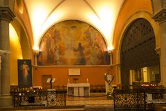 Paray Le Monial, Frankrijk - September 13, 2016: Binnen de kapel Royalty-vrije Stock Foto