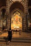 Paray Le Monial, Frankrike - September 13, 2016: Relikskrin av St C Royaltyfri Bild
