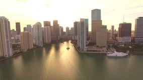 Parc aérien Miami du centre de Bayfront de vue de coucher du soleil banque de vidéos