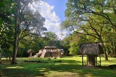 Parc archéologique Cebal de pyramide au Guatemala Photographie stock libre de droits