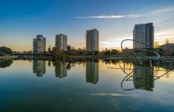 Parc avec l'étang à Barcelone Photos stock