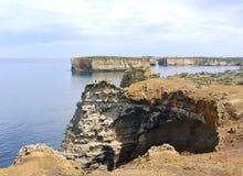 Parc côtier avec des vues d'océan exceptionnelles et des configurations géologiques Photographie stock libre de droits