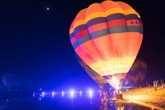 Parc Chiang Rai de Singha Silhouettes et tache floue de ballon Images stock