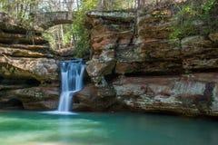 Parc d'état de collines de Hocking en belle cascade de l'Ohio photo stock