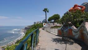 Parc d'amour de Miraflores et l'océan pacifique, Lima Image libre de droits