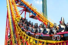 Parc d'attractions à Vienne, montagnes russes Image libre de droits