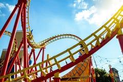 Parc d'attractions dans des montagnes russes de Vienne Photos stock
