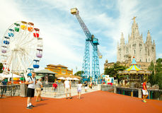 Parc d'attractions et temple chez Tibidabo Photo libre de droits