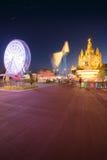 Parc d'attractions et temple chez Tibidabo Images libres de droits