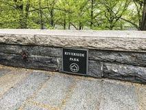 Parc d'Iverside pendant le début de la matinée à New York, USA photos stock