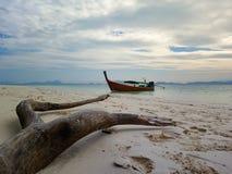Parc de bateau à la plage images libres de droits
