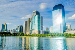 Parc de Benjakiti à Bangkok Photographie stock libre de droits