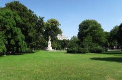 Parc de Burggarten au palais de Hofburg à Vienne - en Autriche Photographie stock libre de droits
