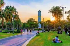 Parc de Chatuchak pendant le coucher du soleil Image libre de droits