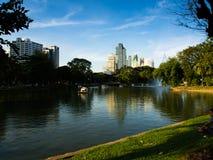 Parc de ciel bleu Photos libres de droits