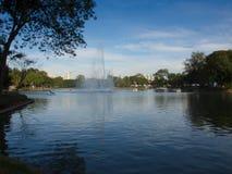 Parc de ciel bleu Photographie stock libre de droits