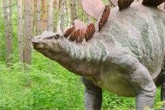 Parc de dinosaure, dinosaure Stegosaurus modèle image libre de droits