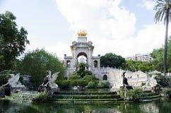 Parc de la Ciutadella喷泉看法,在巴塞罗那,西班牙 Parc de la Ciutadella是的一个公园 库存图片