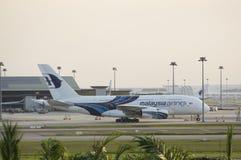Parc de ligne aérienne de la Malaisie dans le terminal de KLIA photos libres de droits