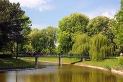 Parc de ville dans Zamosc, Pologne photographie stock libre de droits