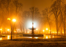 Parc de ville la nuit Photographie stock