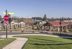 Parc de voisinage et maisons Wilsonville OU photo stock