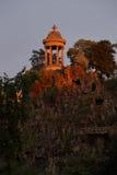 Parc Des小山肖蒙巴黎法国-第19个区-日落- 2015年8月 库存照片