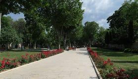 Parc en dehors de palais de Topkapi à Istanbul, Turquie Photographie stock libre de droits