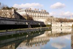 Parc et étang de château dans des Frances de Saint Cloud Images libres de droits